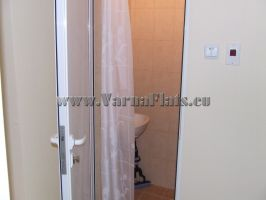 Пластиковая дверь в ванную