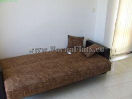 Стая с разгъващ се диван в двустаен апартамент