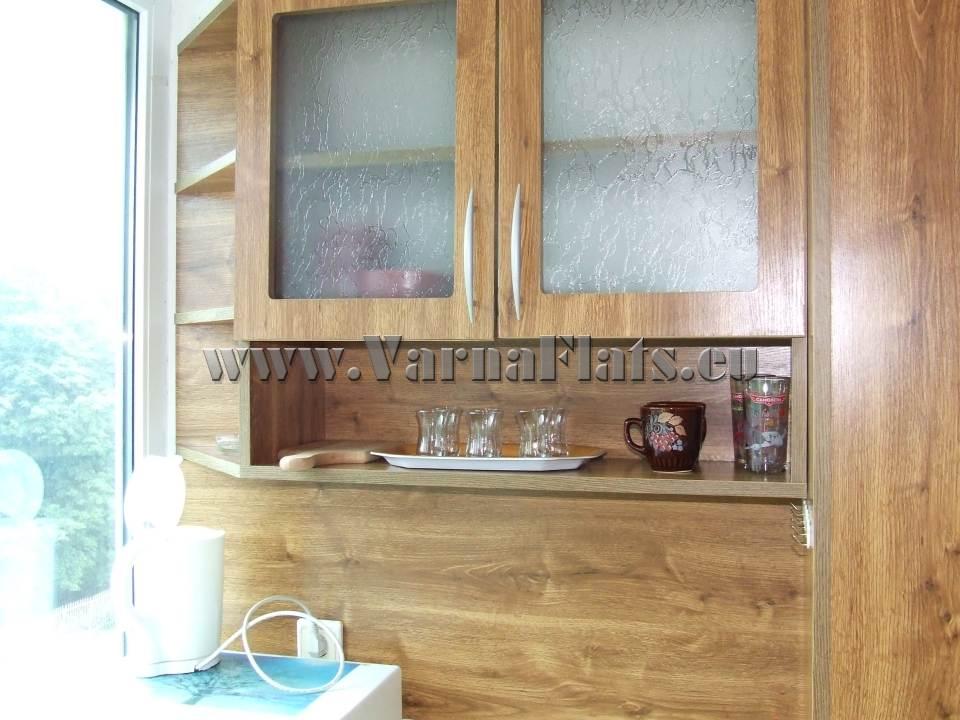 Секция в кухня на студио със спалня
