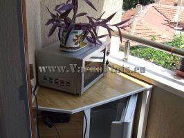 микроволновая печь и холодильник