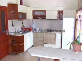 Кухня в Апартамент с две спални . Почивка край Варна