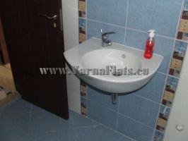 Банята на двустаен апартамент