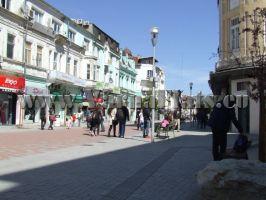 Пешеходная зона в Варне недалеко от квартиры
