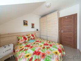 Спальня апартамента, который можно СНЯТЬ В ВАРНЕ